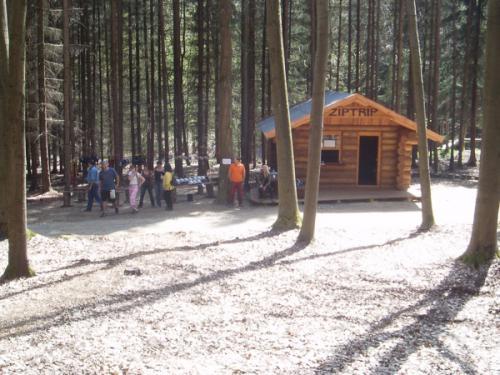 adventure-park-equipment-hut