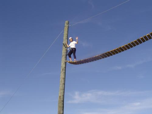swinging-bridge-he
